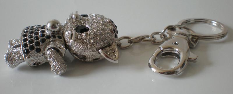 pendentif fillette chaton articul porte clef bijou de sac maryse richardson cr ations paris. Black Bedroom Furniture Sets. Home Design Ideas