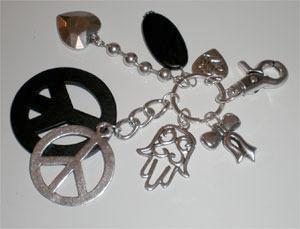 Pendentif peace and love porte clef bijou de sac maryse for Porte monnaie peace and love