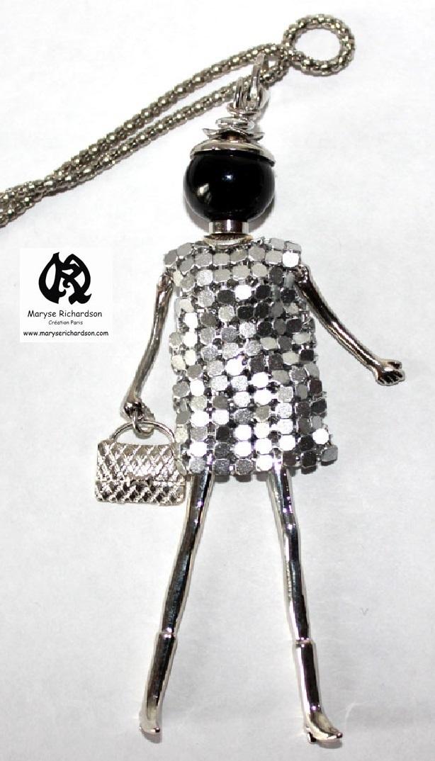 Grossiste Bijoux Fantaisie Dom Tom : Collier sautoir avec fantaisie d un pendentif style mode