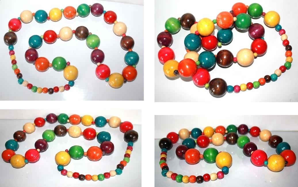 collier long sautoir g ant en grosses perles de bois multicolore style roots maryse richardson. Black Bedroom Furniture Sets. Home Design Ideas