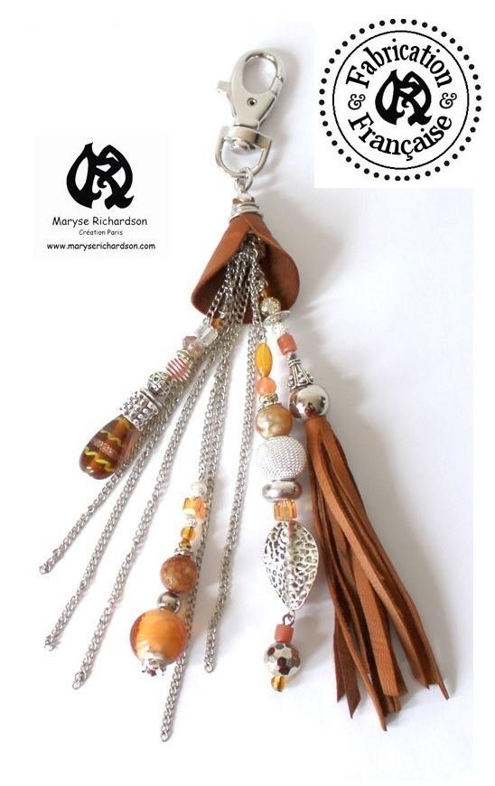 Grossiste Bijoux Fantaisie Dom Tom : Pendentif porte clef bijou de sac en cuir camel cognac