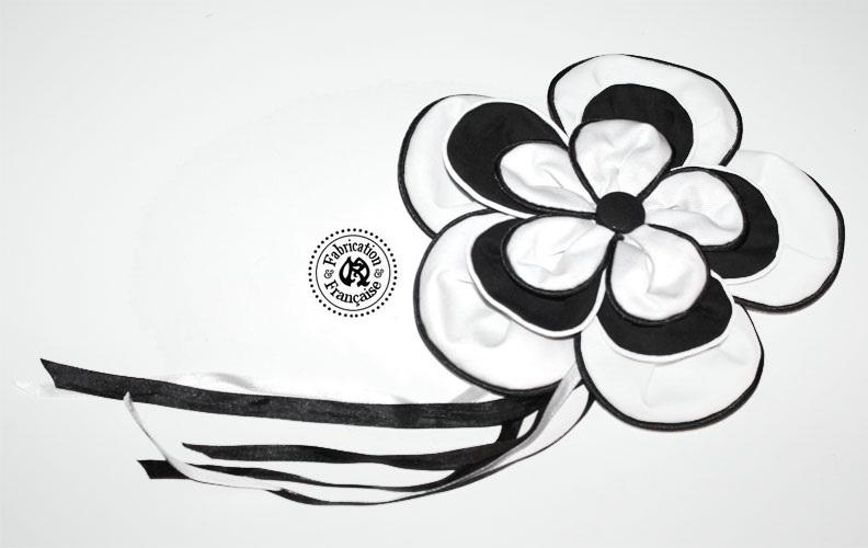 Broche coton noir style 1 fleur XXL noires et blanches style oversize