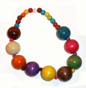 collier court en grosses perles de bois multicolore style roots maryse richardson cr ation paris. Black Bedroom Furniture Sets. Home Design Ideas