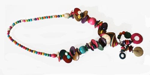 collier sautoir en perles de bois ethnique color es maryse richardson cr ations paris. Black Bedroom Furniture Sets. Home Design Ideas