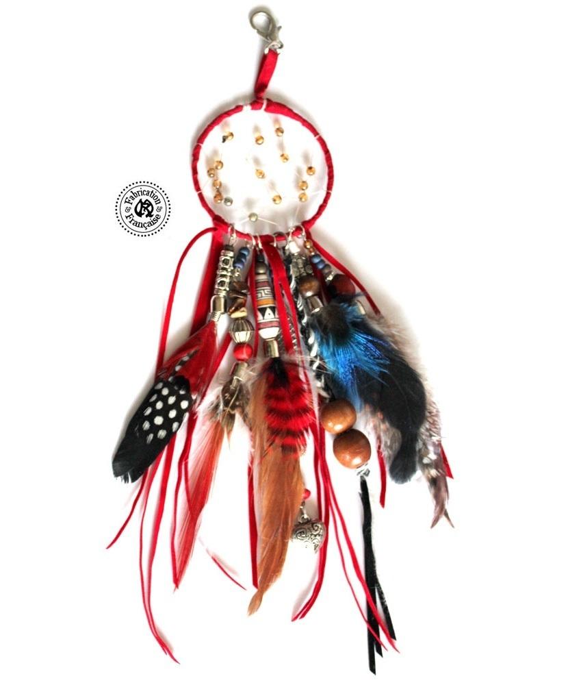 dreamcatcher attrape r ves porte clefs style country en su dine rouge perles et plumes maryse. Black Bedroom Furniture Sets. Home Design Ideas